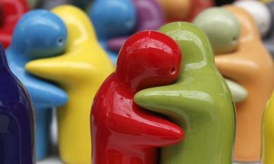 Figurines Hugging